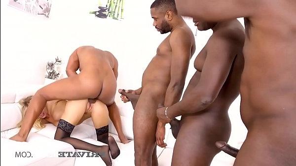 Grup Seks – Doğum günü partisi grup seksle bitiyor